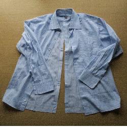 シャツ背開き250.png