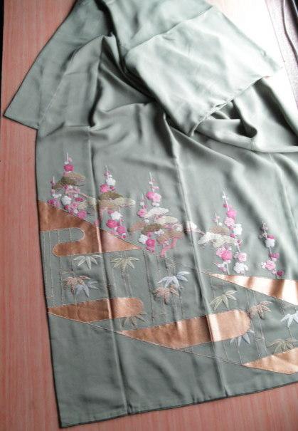 裾留袖.jpg